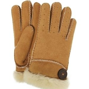 NWT UGG Bailey Glove Chestnut Sold Out Everywhere!